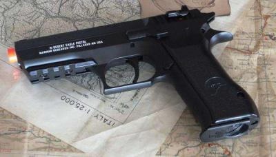 BABY DESERT EAGLE A CO2